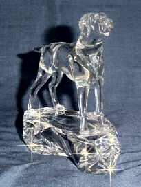 Hand-Sculpted Crystal Statue of Vizsla 3/4 View
